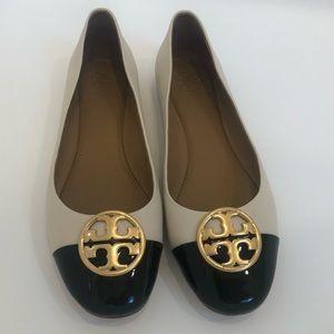 Tory Burch Flats- Cream w/ Black Patent Toe